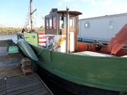 Cruising Houseboat - Edith