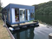Unique Floating Home - Nanny Beat Box (Chertsey,  Surrey)